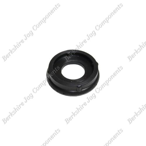 XK8 XKR Camshaft Cover Centre Seal AJ87242