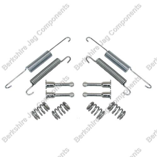 XK8 Handbrake Shoe Fitting Kit JLM2209FK