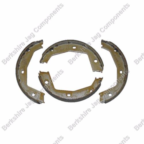XJ40 Handbrake Shoes JLM2209